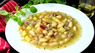 Tradycyjna zupa fasolowa