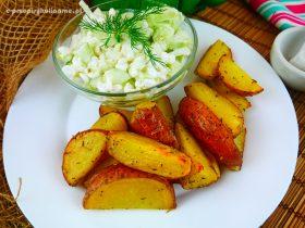 Ziemniaki z serkiem wiejskim – prosty i tani obiad