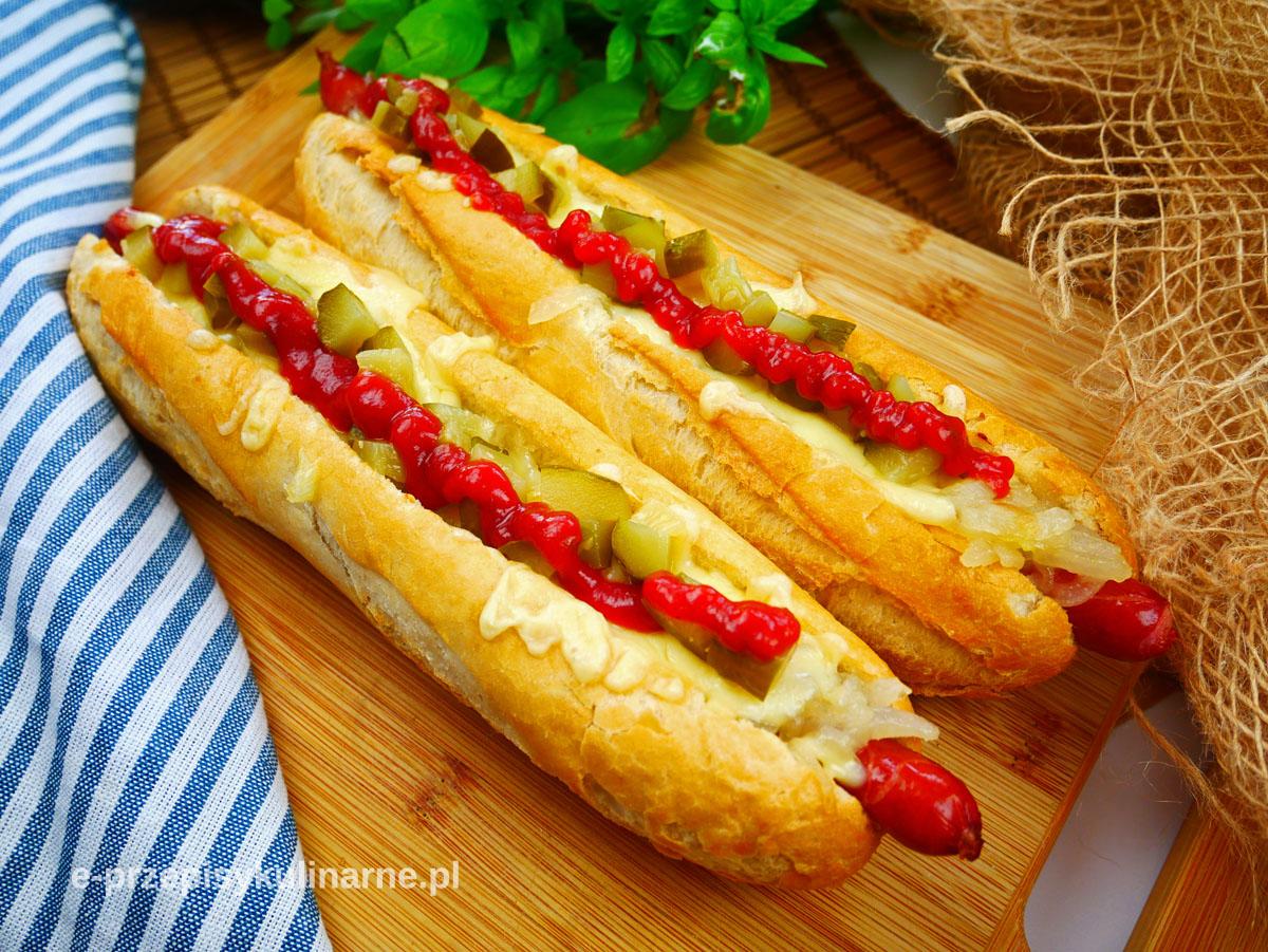 Najlepsze domowe Maxi Hot Dogi z karmelizowaną cebulą