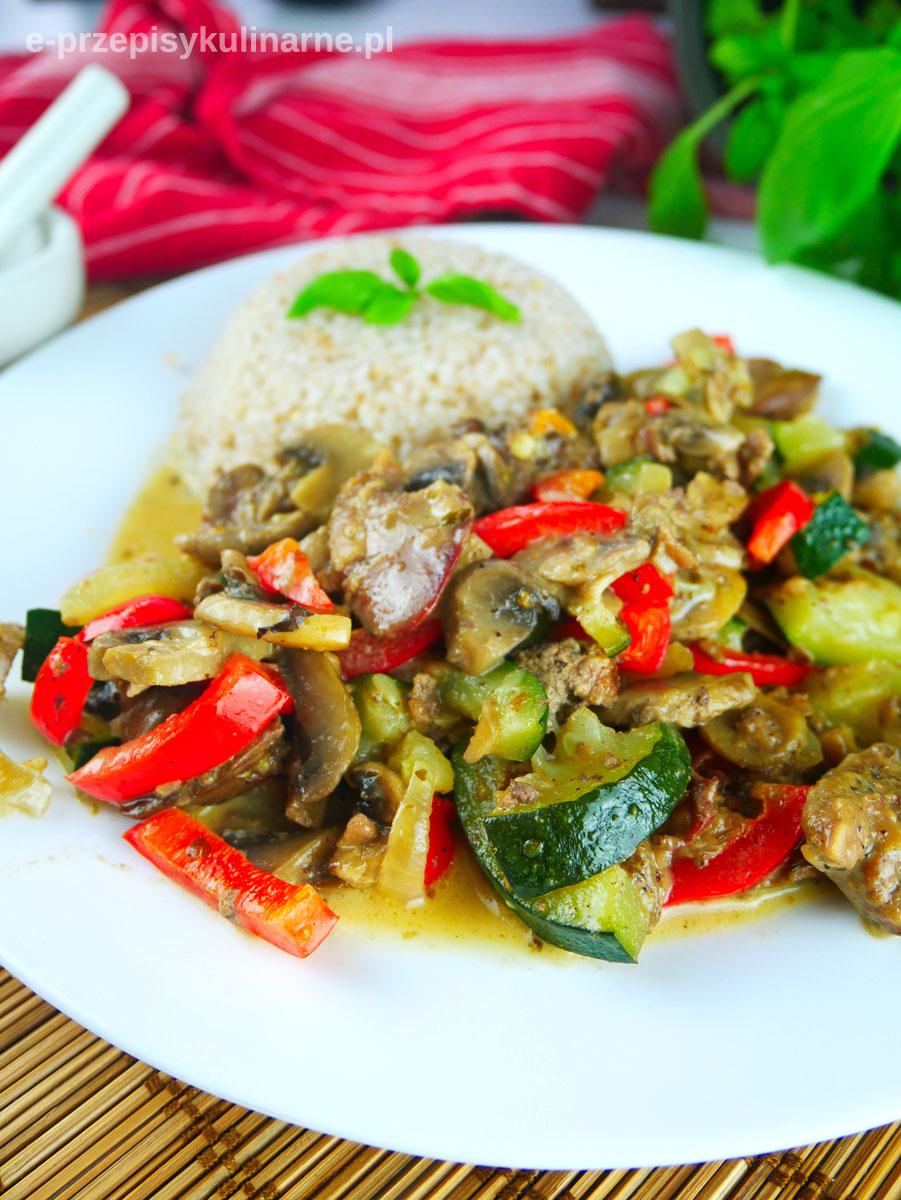 Wątróbka z warzywami – prosty i pyszny przepis na obiad