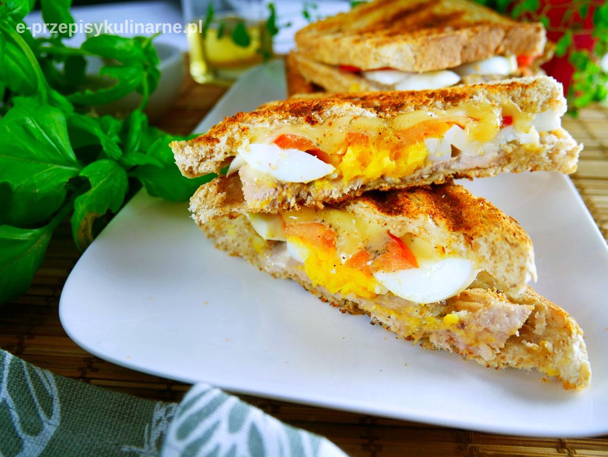 Grillowane tosty z jajkiem na twardo