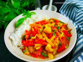 Warzywa w sosie curry – przepis na wegańskie curry