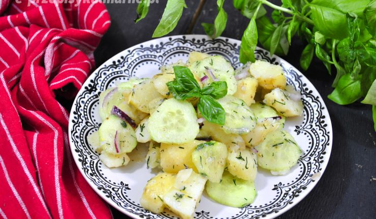 sałatka z młodych ziemniaków