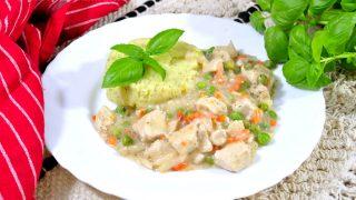 Kurczak z warzywami w sosie chrzanowym