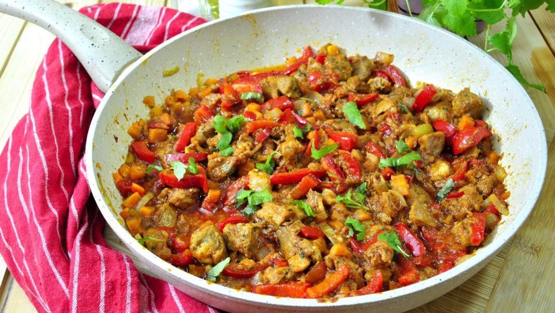 Gulasz z karkówki z warzywami