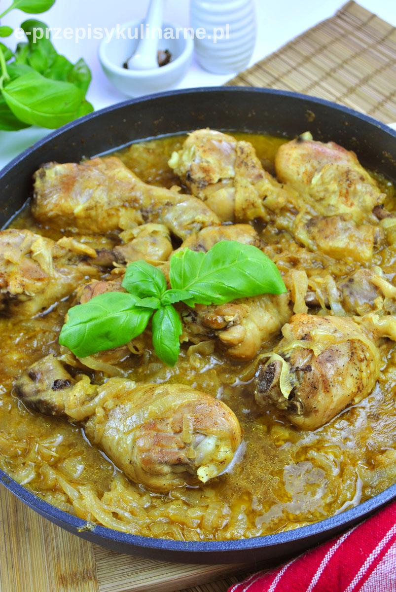 Kurczak duszony w cebuli