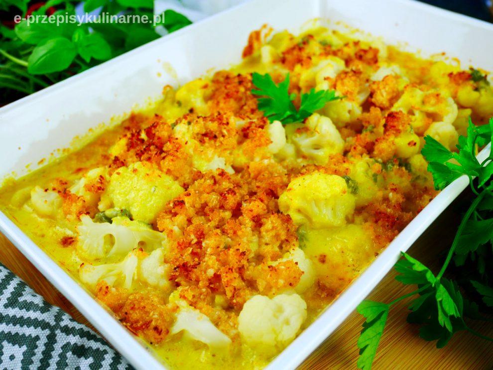 Kalafior zapiekany w sosie serowym