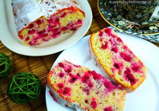 Szybkie ciasto z porzeczkami – puszyste i wilgotne