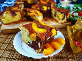 Cielaczek - ucierane ciasto z brzoskwiniami