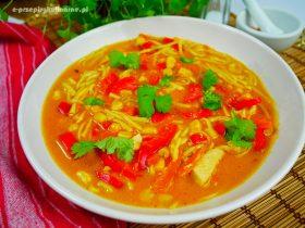 Tajska zupa z kurczakiem – szybki i prosty przepis