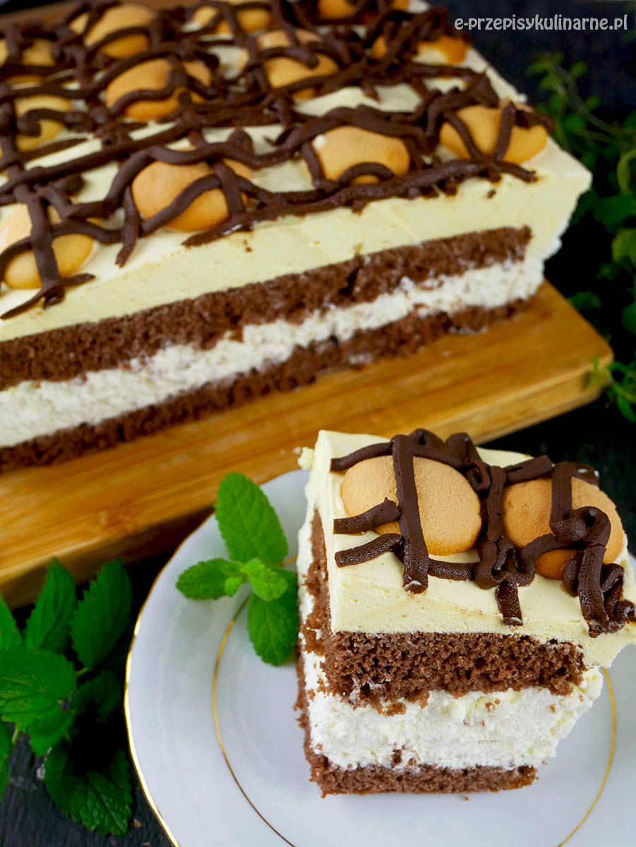 Ciasto Finezyjny Adwokat – efektowny biszkopt kremem z ajerkoniakiem