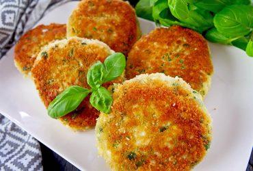 Kotlety jajeczne z rukolą – szybkie danie na bezmięsny obiad