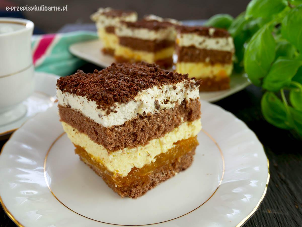 Ciasto Pijany Błazen – biszkopt z masą budyniową i brzoskwiniami